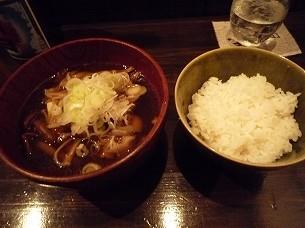 キノコ汁とご飯.jpg
