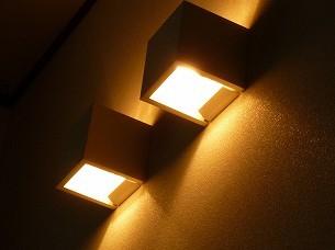 セピアの照明.jpg