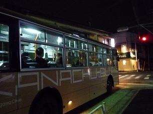 バスが行く.jpg