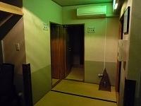 停電直後の貸切湯入口.jpg