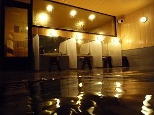 夜の渓流の湯.jpg