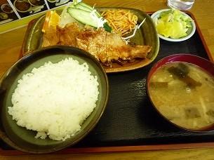 生姜焼き定食1.jpg