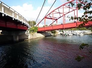 産業道路の陸橋下を潜る.jpg