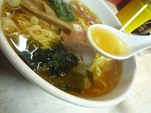 醤油ラーメン(美しいスープ).jpg