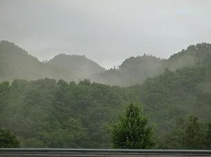 雨が降る1.jpg