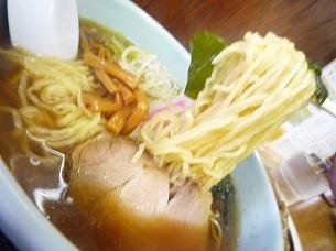 麺は中ちぢれ麺.jpg
