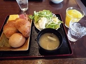 パンと味噌汁.jpg