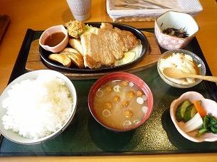 ポークステーキ定食.jpg