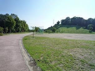 公園内を歩く.jpg