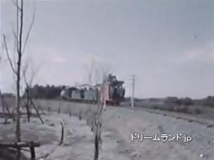 去って行く外周列車(YouTubeから).jpg