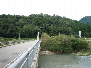 対岸の久川城2.jpg
