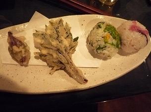 揚げ物と手まり寿司.jpg