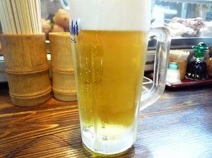 最初の生ビール.jpg